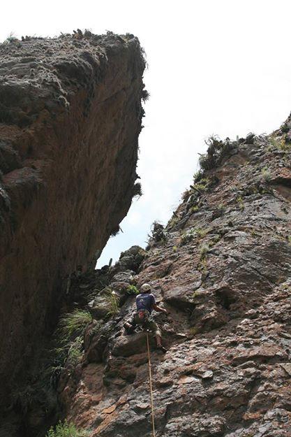 Escalando en el sector las Torres - Perú
