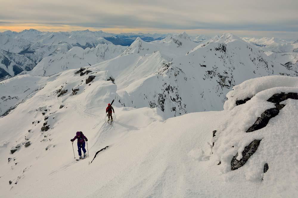 El hermoso Parque Nacional Glaciares, luego de  horas de subida pasamos  de bosques  de pinos a cumbres y glaciares. Foto: Diego Sáez