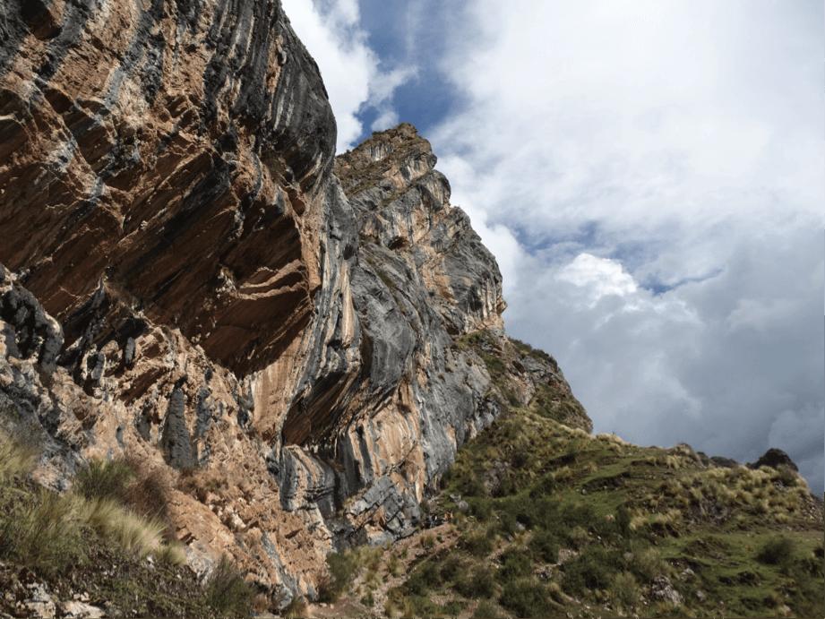 Algunos de los desplomes de más de 45° que puedes encontrar en Pitumarca